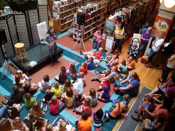 Anna Dewdney's reading at Auntie's Bookstore in Spokane in 2014